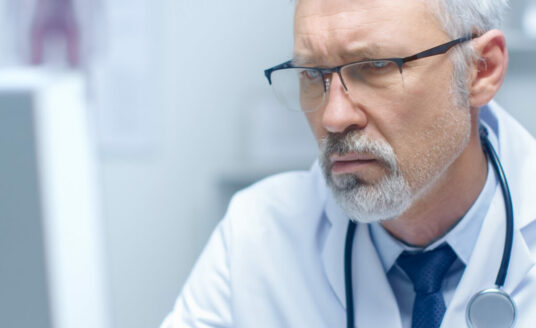 A doctor answers questions on how to effectively communicate with a doctor