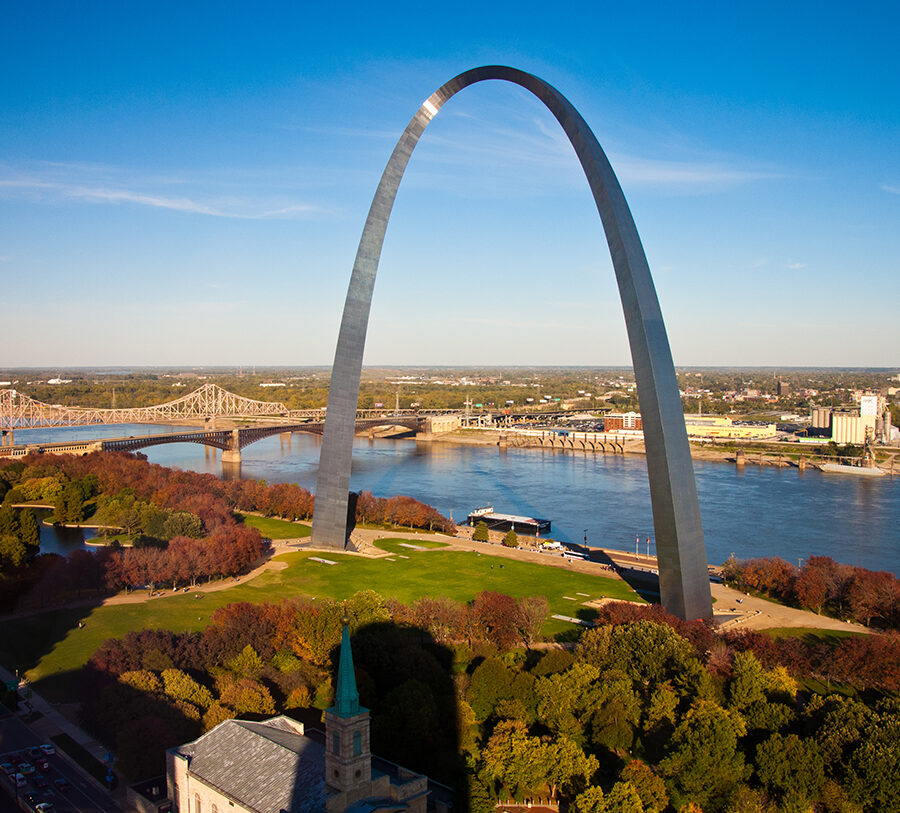 Photo of the st louis arch representing Bethesda's local community partners