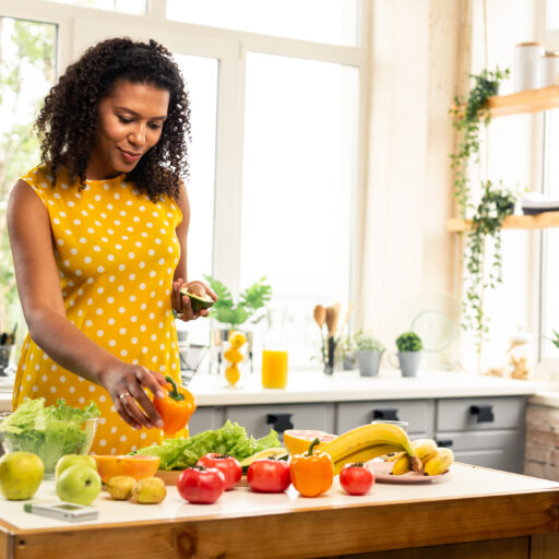 Healthy eating as a way to stay active and follow healthy aging tips